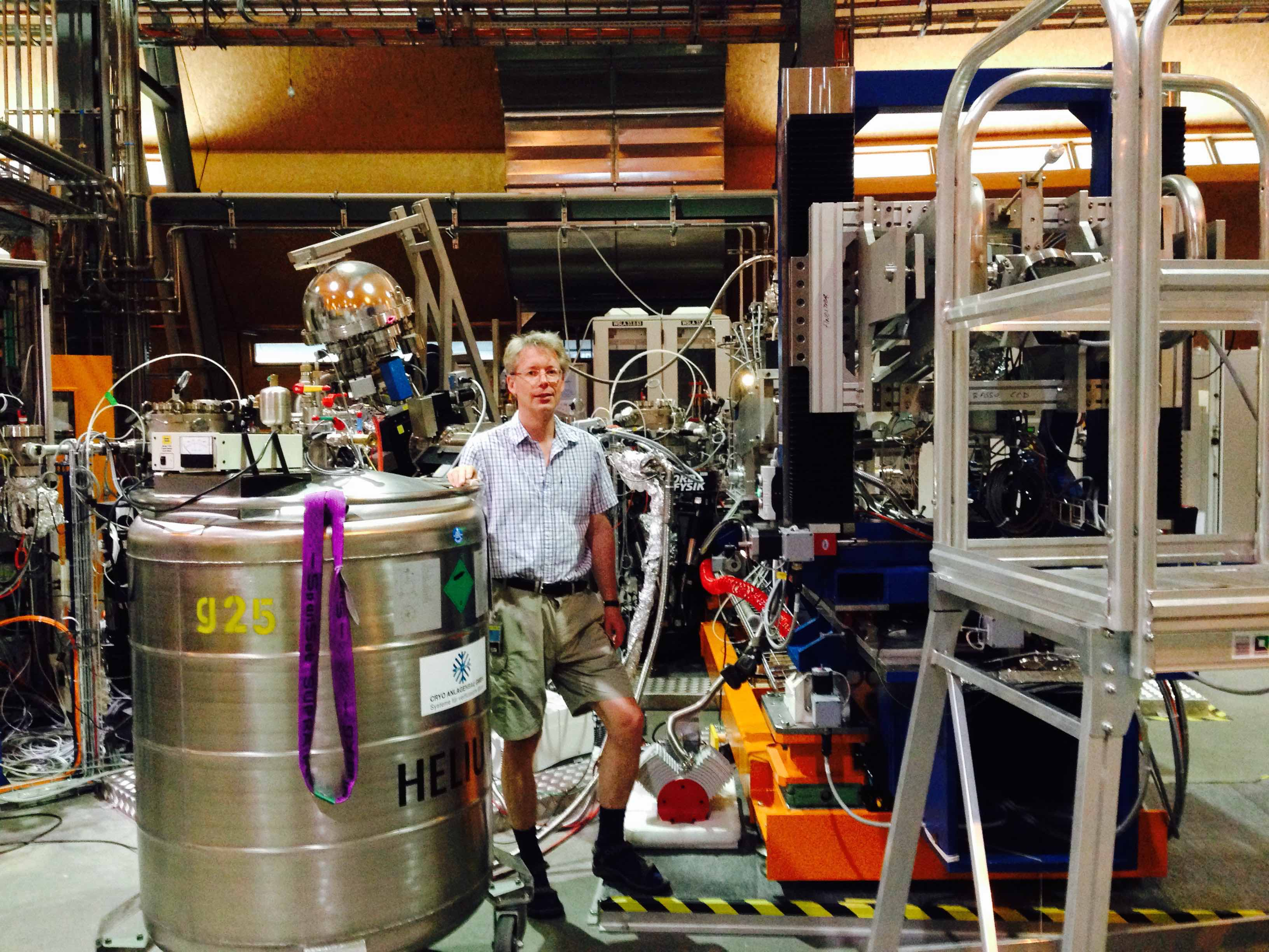 Martin Magnuson performing RIXS measurements at Swiss Light Source (SLS), Villigen in 2015.